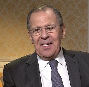 Лавров высмеял предположения о слежке ГРУ за почтой Юлии Скрипаль