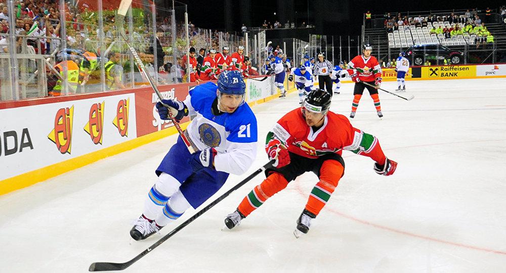 Матч между сборными Казахстана и Венгрии на ЧМ по хоккею в первом дивизионе