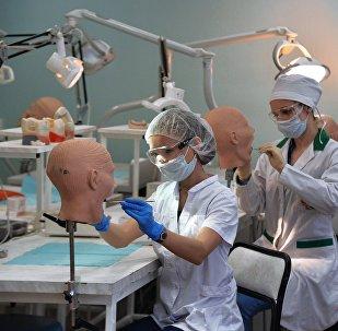 Студенты медицинского университета, архивное фото