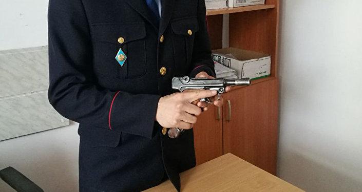 Трофейный пистолет Люгер Р 08, доставшийся жителю Кокшетау от дедушки