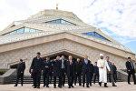 Нурсултан Назарбаев посетил новую мечеть в Астане