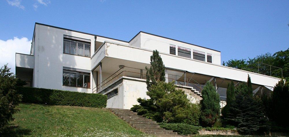 Вилла Тугендхат — творение немецкого архитектора Людвига Миса ван дер Роэ в чешском городе Брно