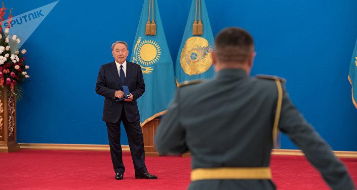 Церемония вручения высших воинских и специальных званий, классных чинов и госнаград