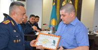 Наручные часы получил житель Петропавловска за помощь в поимке участников перестрелки