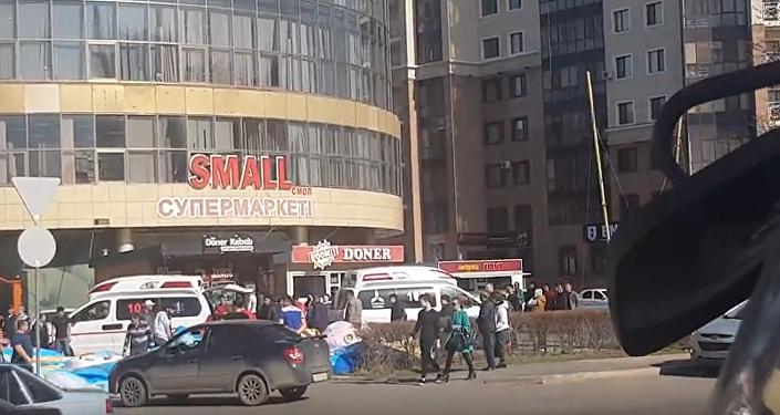 Астанада балалар ойнап жүрген батут аударылды