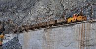 Добыча руды, архивное фото