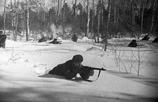 Солдаты 1075-го стрелкового полка 316-й стрелковой дивизии под командованием полковника Ильи Капрова