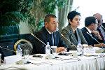 Аскар Мусинов и Гульшара Абдыкаликова на переговорах сирийской оппозиции в Астане