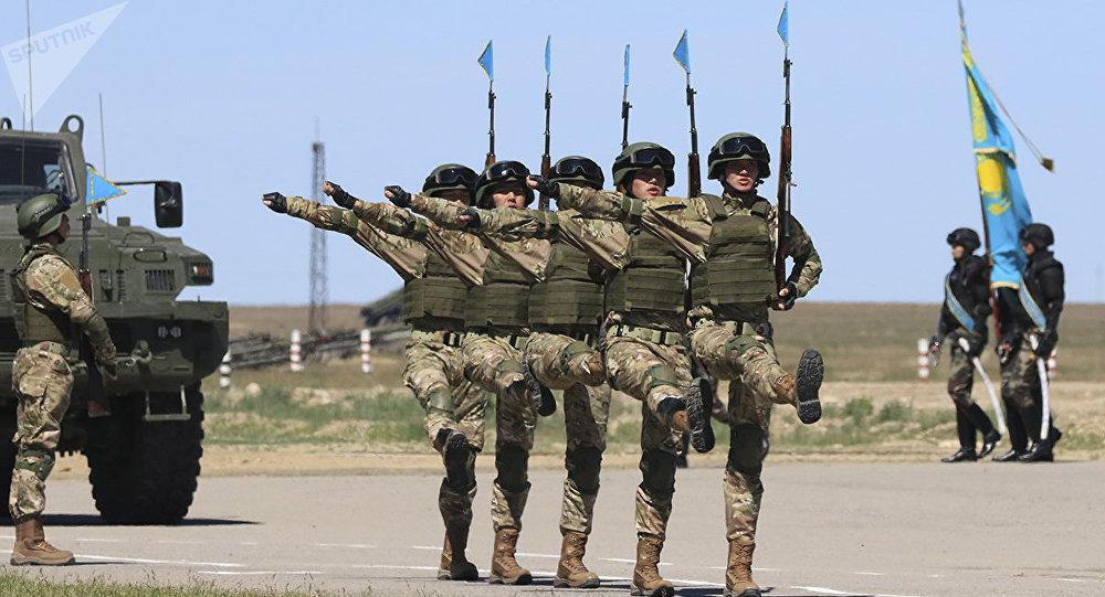 Отан қорғаушылар күніне арналған әскери шеру