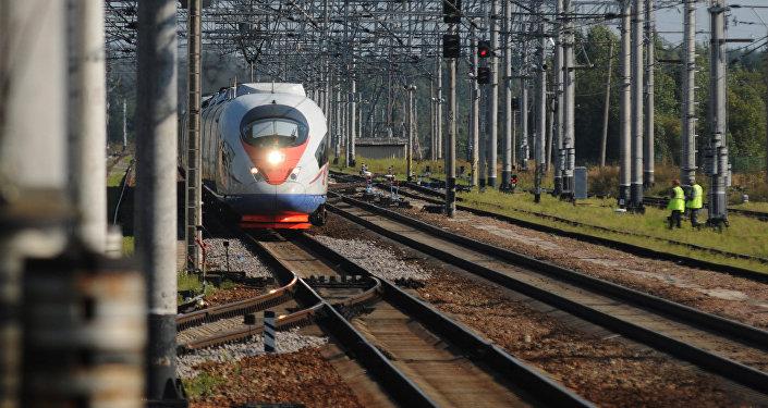 Скоростной поезд, архивное фото