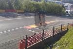 Болид российского гонщика сделал сальто на скорости 300 км/ч