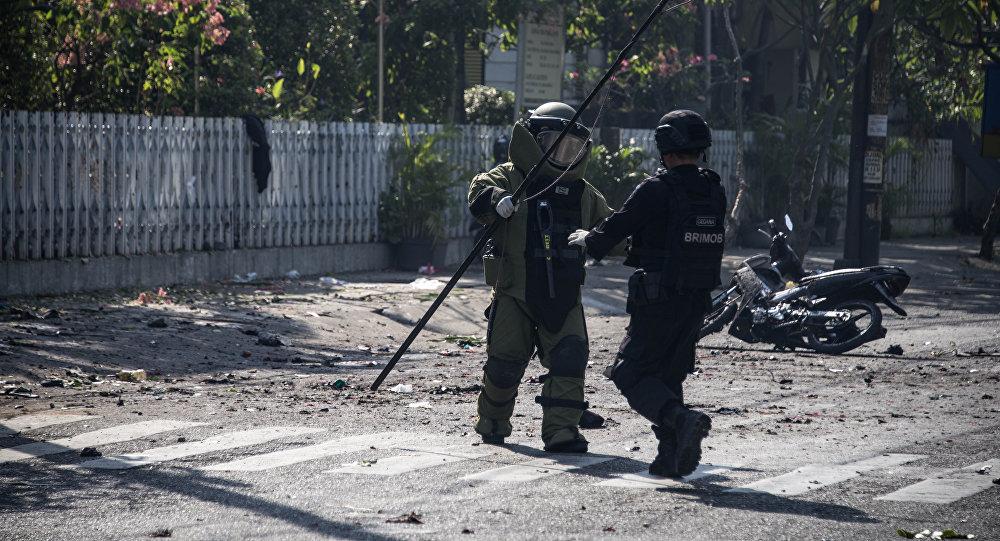 На месте взрыва, Индонезия