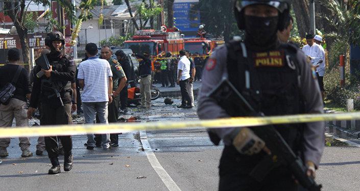 Полиция на месте взрывов