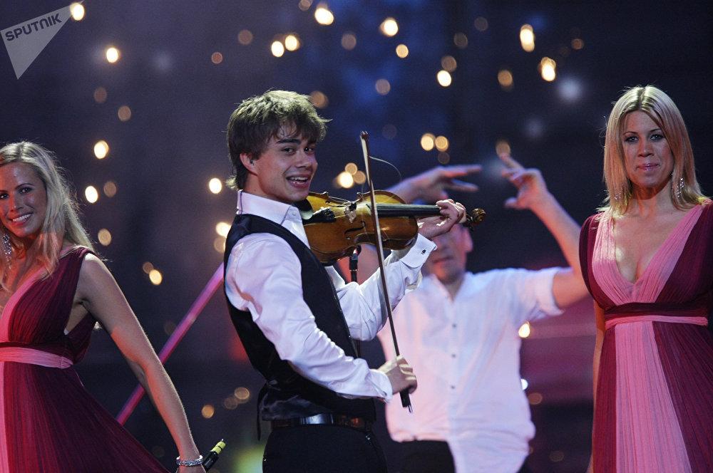 Победитель конкурса Евровидение-2009 Александр Рыбак