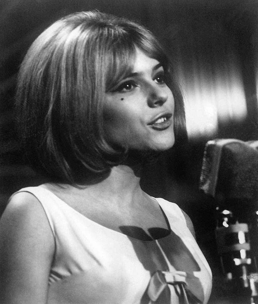 Победительница Евровидения в 1965 году Франс Галль