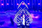 У британской певицы выхватили микрофон из рук в финале Евровидения