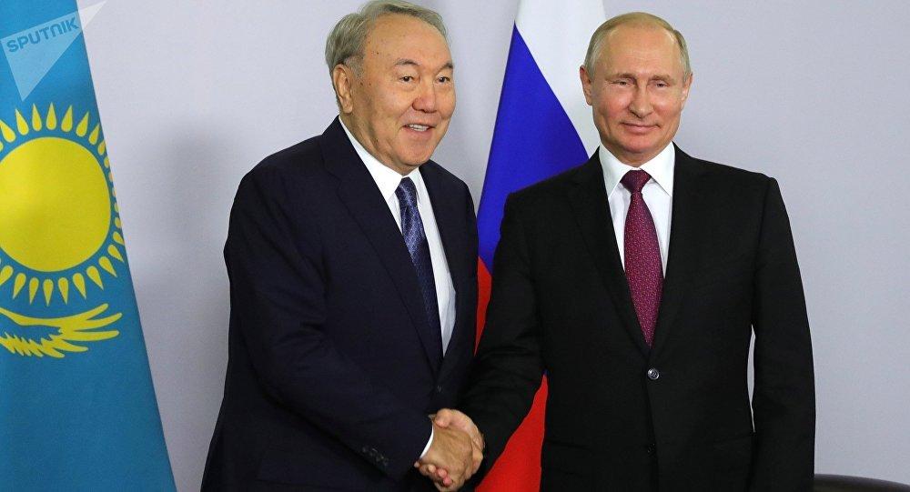 Нұрсұлтан Назарбаев пен Владимир Путин, архивтегі сурет