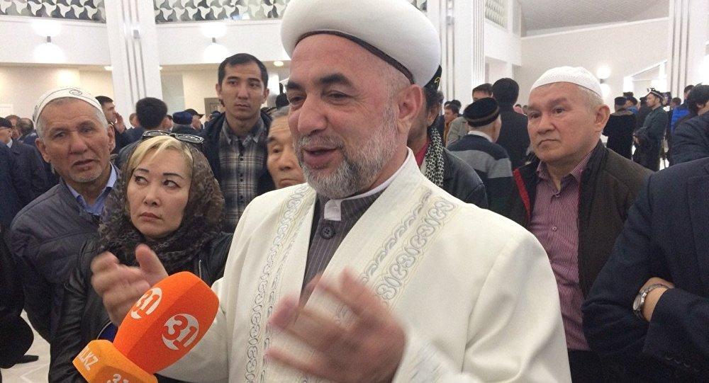 Ырыскелді қажы атындағы мешіттің бас имамы Жақияқажы Исмаилов