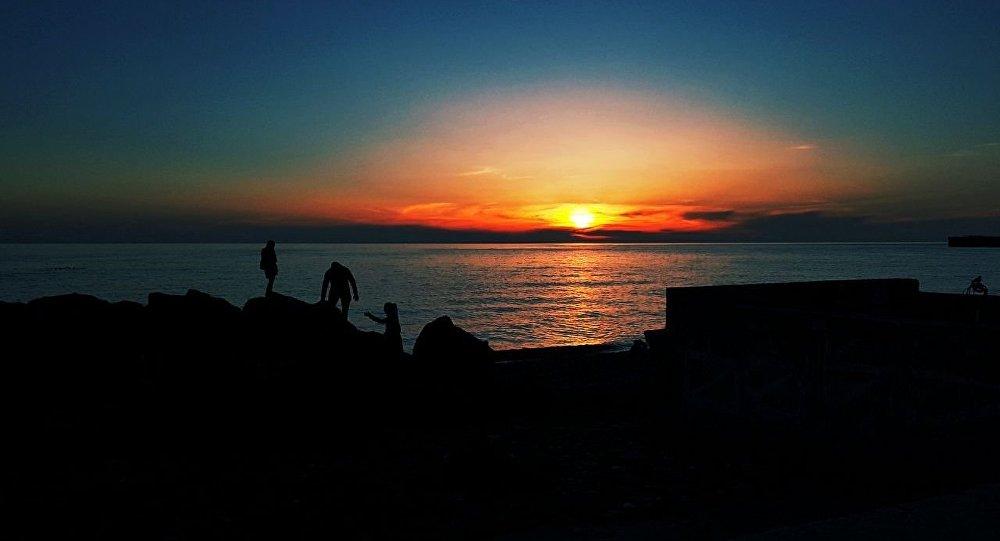 Закат на Черном море, архивное фото