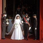 Наследный принц Норвегии Харальд и Соня Харальдсен покидают собор Осло во время их свадебной церемонии