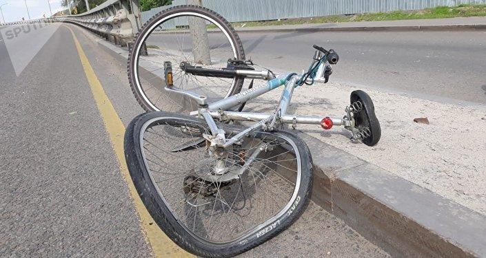 Сүйінбай көшесінде велосипедшіні қағып кетті