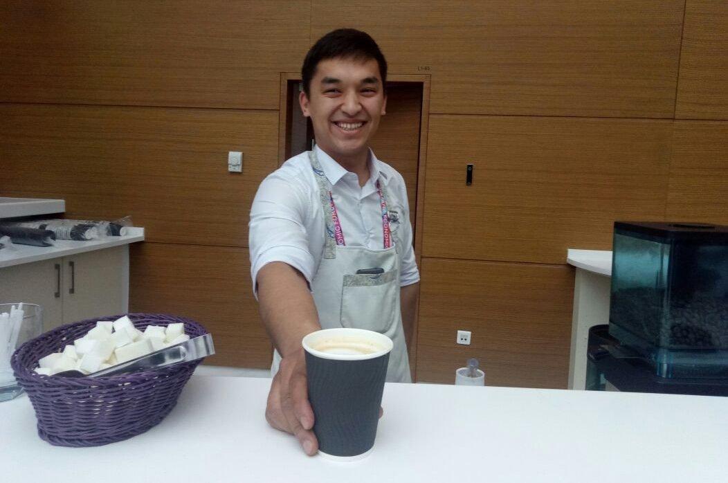 На АЭФ выпито неимоверное количество бесплатного кофе - больше 50 кг зерен и 700 литров молока за два дня