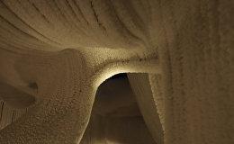 Ледяная пещера в Зарядье