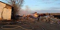 Близ Кокшетау загорелся цех по производству картонных лотков