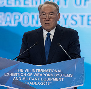 Президент Казахстана Нурсултан Назарбаев на открытии выставки вооружения КАDEX-2018