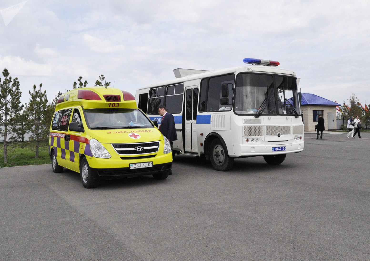 Скорая помощь и полиция дежурят на выставке KADEX