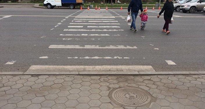 Необычный пешеходный переход появился в Астане