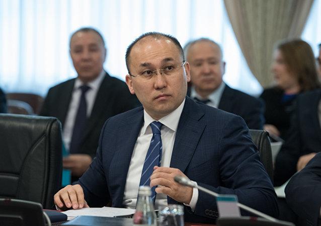Министр информации и коммуникаций Даурен Абаев