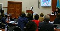 Девочка, спасенная от суицида, выступила на заседании комитета в Мажилисе