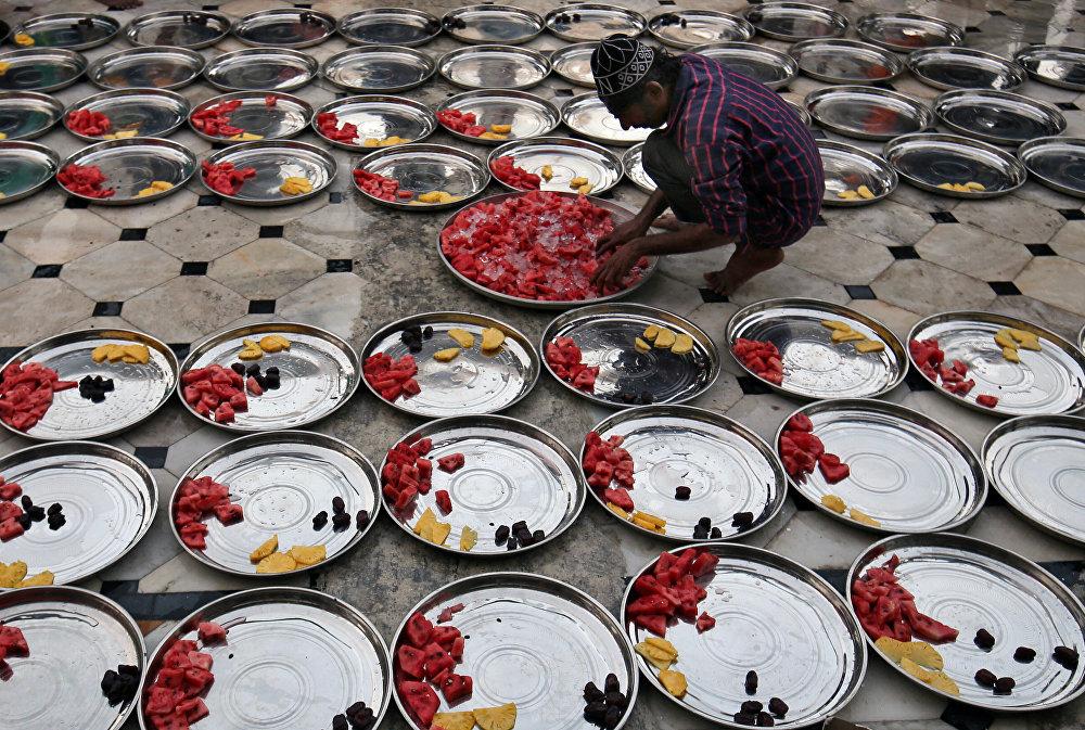Подготовка к ифтару, Индия