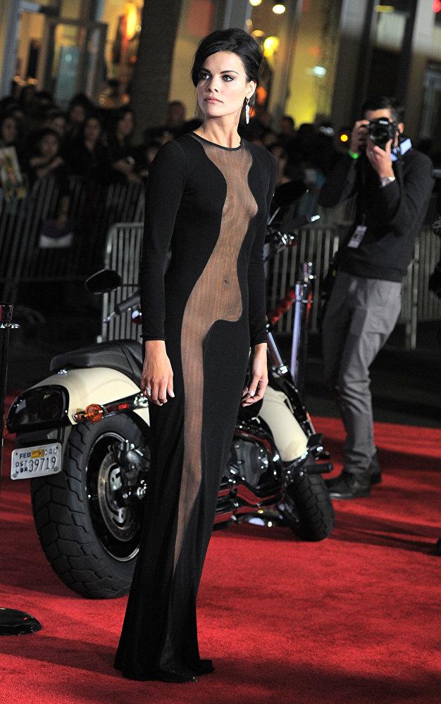 Джейми Александр на премьере фильма Тор 2: Царство тьмы