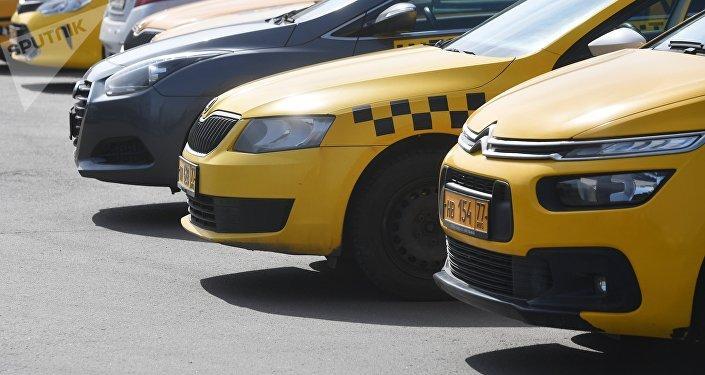 Такси көліктері