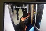 Семья с ребенком застряла в лифте в Астане
