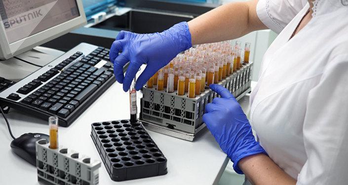 Клинико-диагностическая лаборатория, архивное фото