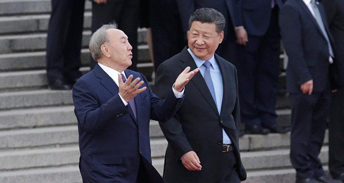 Қазақстан президенті Нұрсұлтан Назарбаев пен ҚХР төрағасы Си Цзиньпин