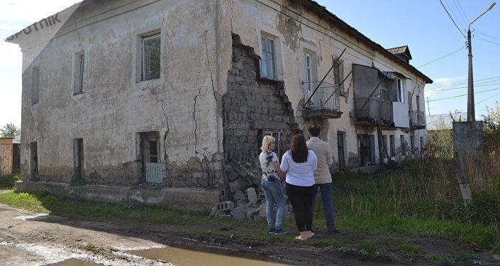 Стена дома обрушилась в Петропавловске