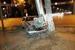 Авто снесло билборд на пересечении улиц Абая и Наурызбай батыра