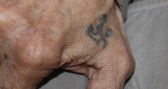 Татуировка якорь на руке ветерана