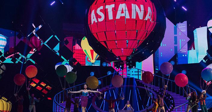 Участиники эстрадного конкурса в Астане, архивное фото