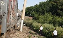 Крушение пассажирского поезда, иллюстративное фото