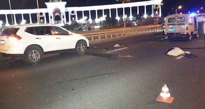 Автомобиль насмерть сбил девушку в Алматы
