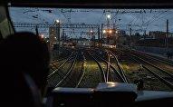 Кабина машиниста пассажирского поезда, архивное фото