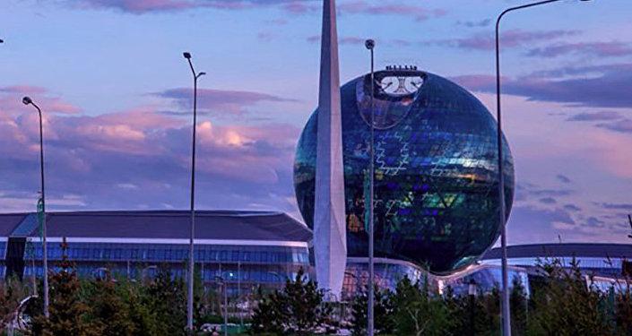 Розовые облака. Астана, 2018 г.