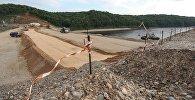 Строительство земляного тела плотины, архивное фото