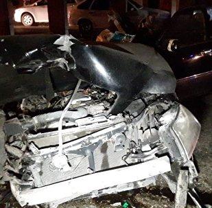 Тойота Краун Маджеста влетела в бетонную опору моста на ул. Сейфуллина