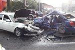 Крупное ДТП произошло по проспекту Суюнбая в Алматы, два человека пострадали